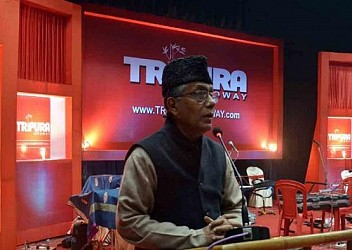 Chief Minister Manik Sarkar speaking at TRIPURAINFOWAY programme at Town Hall,Agartala. TIWN Pic Jan 5