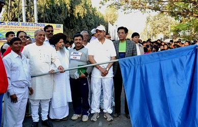 Minister Sahid Chowdhury inaugurating 7th ONGC Agartala Marathon  in front of Vivekananda Stadium. TIWN Pic March 9