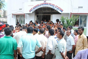 People of Aralia protest against the Murderer of House wife susmita Das at East Womens PS.TIWN Pic Sept 15