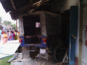 Police van rushed into the shop killed 3 at Udaipur. TIWN Pic July19
