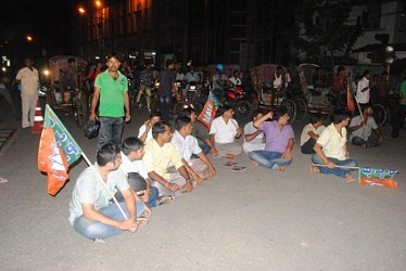 Road  blockade byBJP supporters at Fire Service. TIWN Pic July22