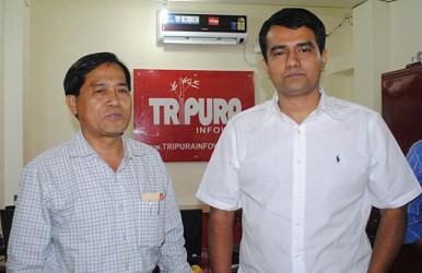 MP Jiten Chaudhury visiting TRIPURAINFOWAY office