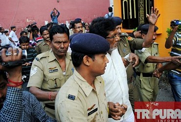 Murderer Jiten Das produced before court amidst angry mob.TIWN Pic April 24