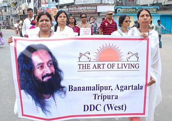 The Art of Living organise anti tobacco rally at Agartala. TIWN Pic Apr 26