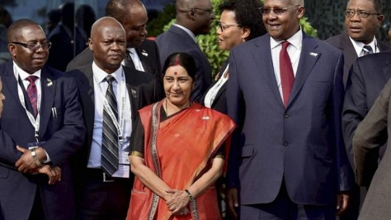 Sushma holds bilateral meetings with African ministers