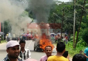 Fire breaks out in a car at Chandrapur. TIWN Pic July 30