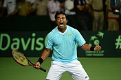 Paes too great a player to be kept in reserves: Mukherjea