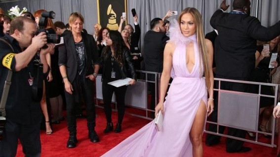 Dress like celebrities but first know your body: Celebrity stylist