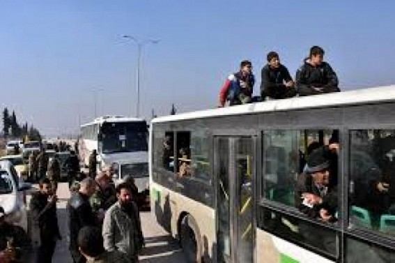 Evacuation of Syrian villages resumes after 2 days