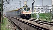 CAG raps Railways for serving foodstuff 'unsuitable' for consumption