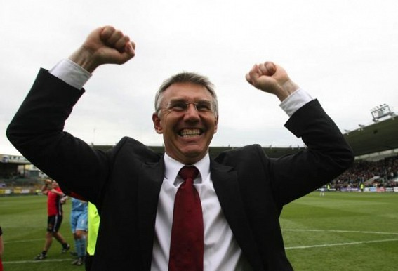 Hull City appoint Nigel Adkins as coach