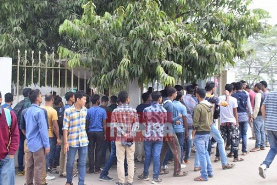 CM yet to meet TSR jobs aspirants : Unemployed youths knock CM's door 3rd time