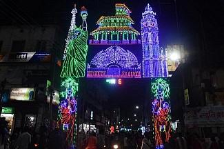 Durga Puja Day 1 : Festival Spirit soars high across Tripura on Maha Saptami night