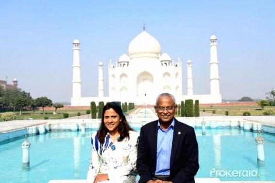 Maldives President visits Taj Mahal