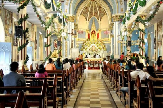 Christians ring in Christmas with carols, church bells in Maharashtra