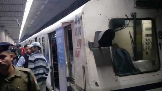 Fire in Kolkata metro, 16 injured