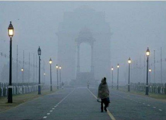Delhi shivers at 3 degrees C, cold wave continues