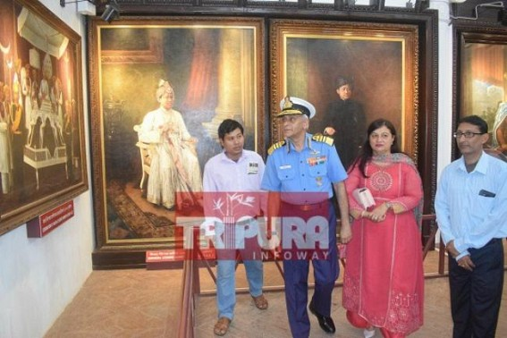 Navy Chief visits Tripura Museum