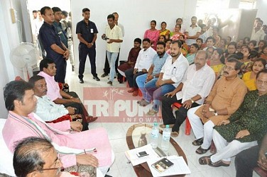 CM held party meeting at own constituency (Banamalipur). TIWN Pics Aug 19