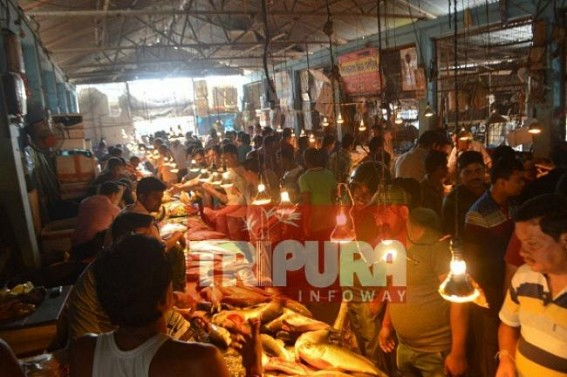 Heavy sales amid Costly market on Pohela Baishakh of Bengali Foodies : Chicken Rs. 250,  Mutton : Rs. 800, Hilsa : 1200 Per Kilo