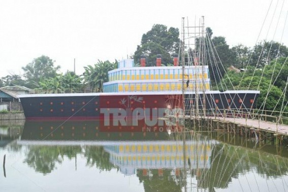 Durga Puja pandal in TITANIC model at Agartala draws attention