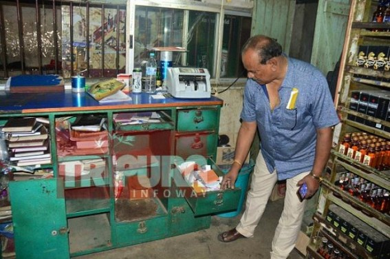 Liquor shop looted at Agartala