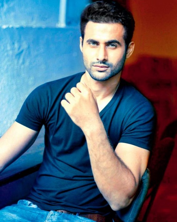 Actor Freddy Daruwala becomes father