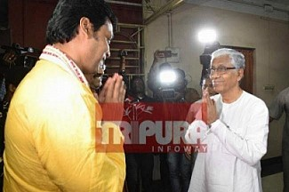 Tripura Opposition Leader finally wakes up from 16 months slumber, Manik Sarkar wrote a letter to Biplab Deb against privatization of Mid-Day meals, Govt Schools