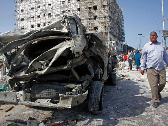 11 killed in attack near airport in Somalia capital