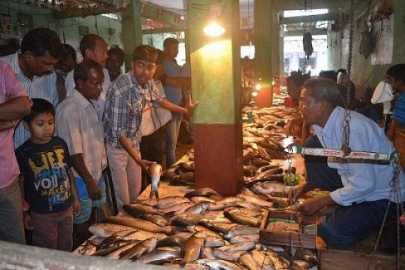 Vijaya Dasami food menus soars up Agartala markets in Tripura, heavy demands in fish, meat markets since morning