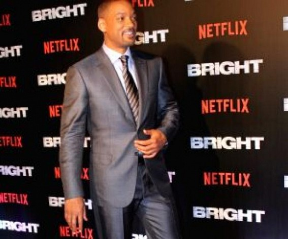 Will Smith shows his bare bottom on Instagram