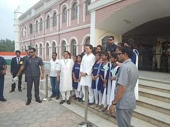 Congress President Rahul Gandhi met school students in Khumulwng (Tripura). TIWN Pic March 20