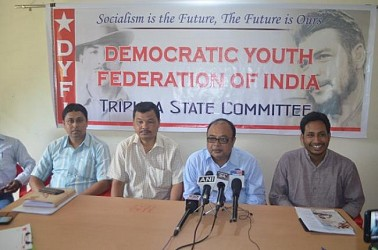 DYFI National Secretary Abhoy Mukharjee addressing media at Agartala. TIWN Pic Aug 17, 2019