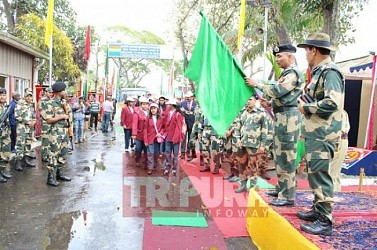 BSF students start for 5 days adventure visit at Bangladesh. TIWN Pic Feb 17