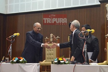 Justice Akil Abdulhamid Kureshi sworn in as Tripura HC Chief Justice. TIWN Pic Nov 16
