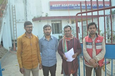 SFI placed deputation to West PS. TIWN Pic Dec 7