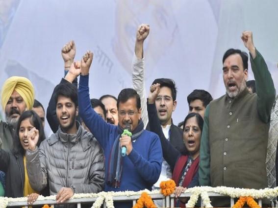 Aam Aadmi in focus at Kejriwal's oath ceremony