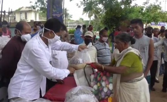 COVID-19 : CPI-M distributed relief materials among 170 families