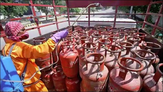 Non-subsidised LPG rate hiked, aviation fuel ups by Rs 11,000/kl