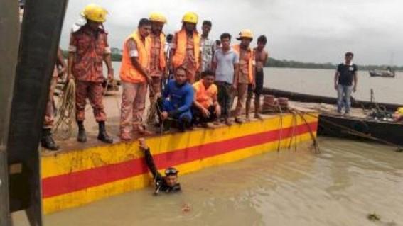 23 killed B'desh boat capsize