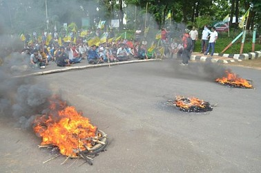 IPFT Strike in Khumulwng demanding release of arrested party worker. TIWN Pic July 9