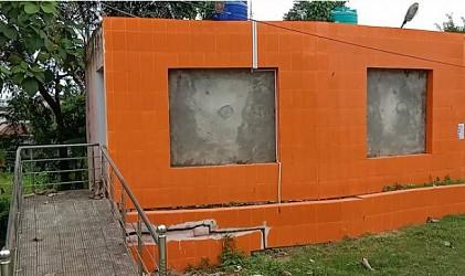 Toilet broken before inauguration at Town Pratapgarh. TIWN Pic Oct 21