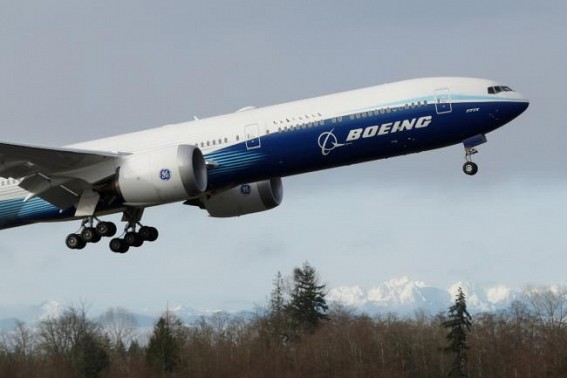 Japan instructs domestic carriers to ground Boeing 777s